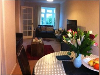 Good size Double bedroom in central woking