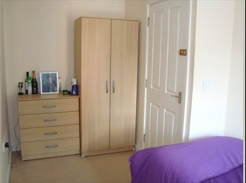 EasyRoommate UK - FULLY FURNISHED HOUSE SHARE **ALL BILLS INCLUDED** - Stoke-on-Trent, Stoke-on-Trent - £365