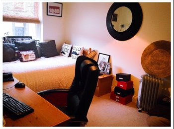 EasyRoommate UK - Double rooom available - Guernsey, Guernsey - £550