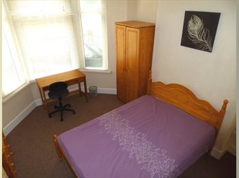 Student House to Let  Cathays, Cardiff, CF14 3JL  5 Double...