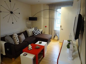 bright dbl room in a superb location on Redchurch