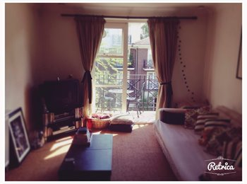 Available now!! Double Room in lovely apartment wi