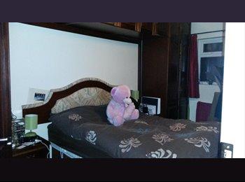 EasyRoommate UK - Double bedroom in Watford City Centre - Watford, Watford - £600
