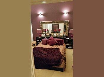EasyRoommate UK - Penthouse flat room available - Sydenham, London - £750