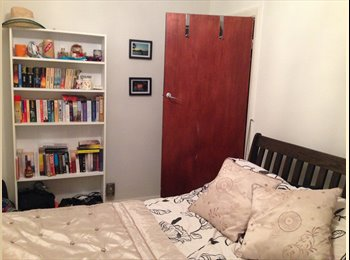 Double room in spacious maisonette flat