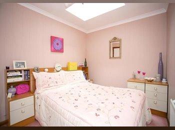 EasyRoommate UK - executive 3 bed apartment - Aberdeen, Aberdeen - £2000