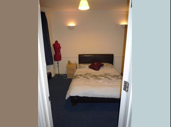 EasyRoommate UK - Room for rent in Winton, no admin fees! - Winton, Bournemouth - £436