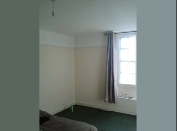 EasyRoommate UK - Large Double Room Avaiable.NOW!! IN CREDITON - Newton St Cyres, Exeter - £432