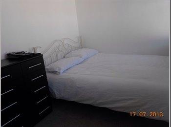 EasyRoommate UK - double furnished room - all inclusive - Swindon, Swindon - £400