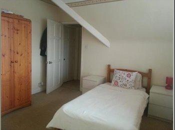 EasyRoommate UK - Lovely double room for  single occupancy - Barnet, London - £550
