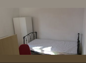 Comfortable student room to let