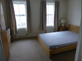 EasyRoommate UK - Seeking professional female to rent en-suite room - Cambridge (Central South), Cambridge - £585