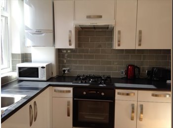 EasyRoommate UK - Single room, house share, from 7th May,EN4 - Barnet, London - £430