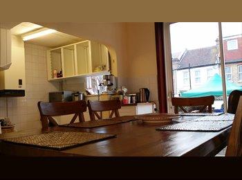double bedroom in croydon