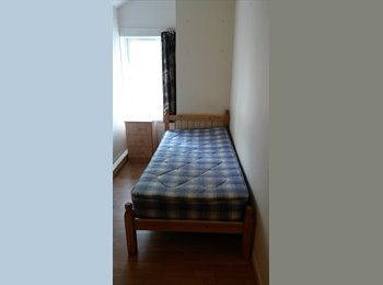 EasyRoommate UK - Room, in a 3 minutes walking distance from the uni - Selly Oak, Birmingham - £240