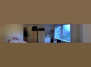 Last days. MAXI DOUBLE BEDROOM AVAILABLE 210£/week