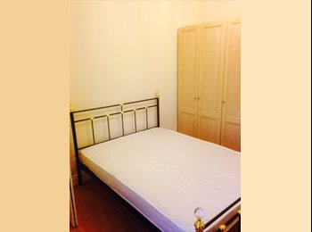 EasyRoommate UK - 5 double bedrooms in large house AVAILABLE NOW - Fallowfield, Manchester - £325