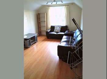 EasyRoommate UK - Room To Let - £337.5 PCM - Broomfield Crescent. Br - Headingley, Leeds - £337