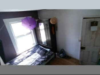 EasyRoommate UK - Build your own World - Woolwich, London - £400