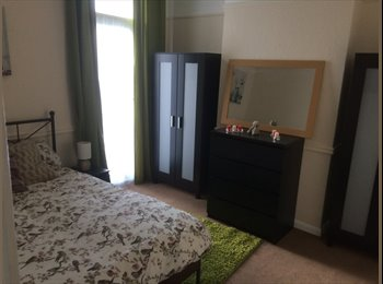 EasyRoommate UK - NEW double bedroom. ALL bills included in rent ! - Catford, London - £137