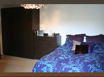 EasyRoommate UK - Large Double Bedroom, Ensuite, with a balcony - Woolwich, London - £880