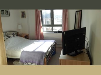 EasyRoommate UK - Spacious Double Room with En-Suite - Wolverton, Milton Keynes - £388