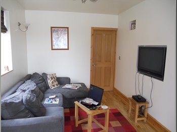 EasyRoommate UK - Own room in a quiet household - Stretford, Trafford - £350