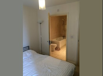 EasyRoommate UK - En Suite Room in 2 Modern Bed Flat Bills Parking - Fallowfield, Manchester - £400