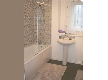 EasyRoommate UK - ROOM AVAILABLE IN 2 BED EXECUTIVE TOP FLOOR FLAT - Bucksburn, Aberdeen - £450