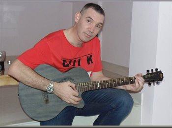 EasyRoommate UK - Stephen - 43 - Redditch