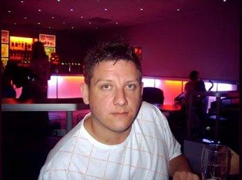 EasyRoommate UK - Adam  - 35 - Brighton and Hove