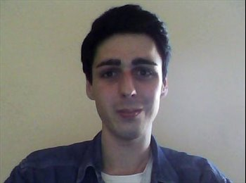 EasyRoommate UK - Robert - 24 - Portsmouth