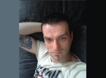 EasyRoommate UK - Andrew - 34 - Maidstone