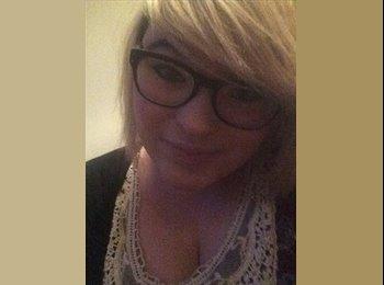 EasyRoommate UK - Lauren  - 19 - Northampton