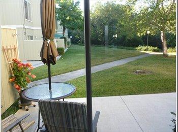 EasyRoommate US - townhome to share - Santa Rosa, Northern California - $550