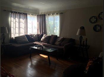 EasyRoommate US - Large room for rent, move in ASAP ! Females only  - St Petersburg, St Petersburg - $500