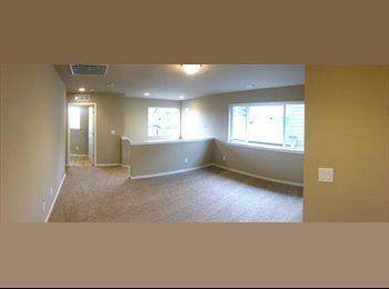 EasyRoommate US - 2400sq/ft home with one room available! - Federal Way, Federal Way - $750