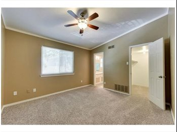 EasyRoommate US - Lower Greenville - Spacious 1 bedroom for rent - Other Dallas, Dallas - $900