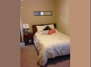 EasyRoommate US - Sublease one room at Cottages of College Station! - Bryan, Bryan - $635
