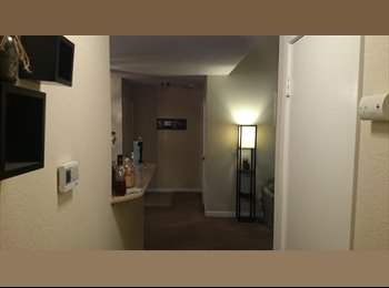 $850 Master bedroom in 2 bedroom 2 bathroom apt....