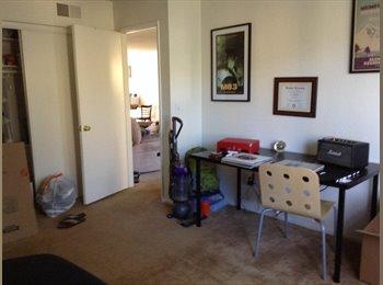 EasyRoommate US - Huntington Meadow - 2 Bed 2 Bath - Huntington Beach, Orange County - $775