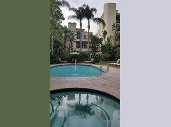 EasyRoommate US - Professional woman roomate at Barrington - Brentwood, Los Angeles - $1500