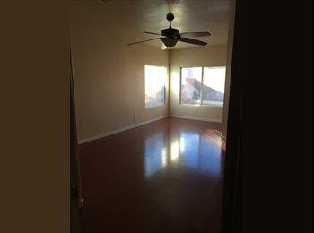 EasyRoommate US - 900 sqft master bedroom and MasterBath + smaller bedroom  - The Lakes, Las Vegas - $650