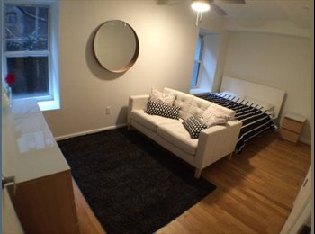 EasyRoommate US - 2 BRDMS available in 3 BDRM apt - New York City, New York City - $1375