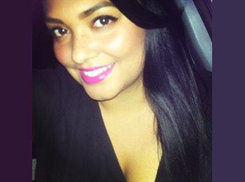 Vanessa - 26 - Professional
