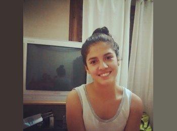 Agustina - 18 - Estudiante