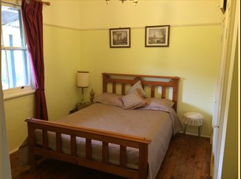 EasyRoommate AU - Dbl room in 100 yr old homestead - Crestwood, Queanbeyan - $150