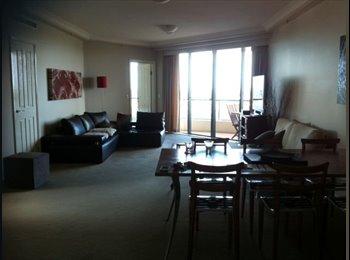 EasyRoommate AU - Large double room ensuite at a bargain price!! - Brisbane, Brisbane - $370