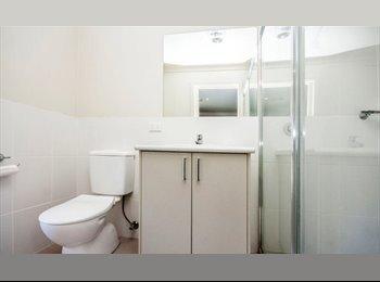 EasyRoommate AU - Master Bedroom & Ensuite in HARRISON! - Harrison, Canberra - $220