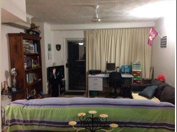 EasyRoommate AU - ROOM FOR RENT  - Trinity Beach, Cairns - $180
